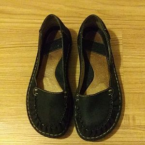 BORN Black Cowhide Leather Slip-on Shoes